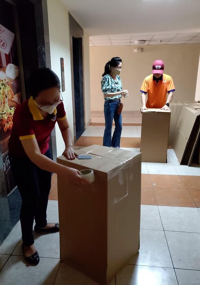 50.000 thùng carton đóng đồ cho sinh viên ký túc đón người cách ly Covid-19 - ảnh 15