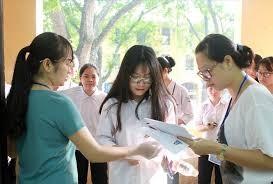 Hôm nay, thí sinh bắt đầu đăng ký thi tốt nghiệp THPT và xét tuyển đại học - ảnh 1