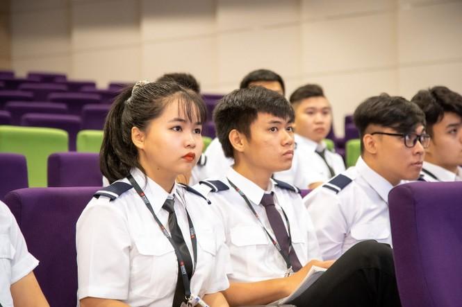 ĐH RMIT liên kết đào tạo phi công - ảnh 1