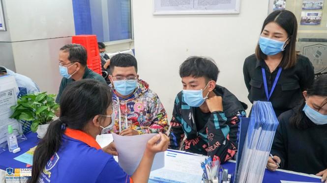 Trường ĐH Nguyễn Tất Thành công bố điểm xét tuyển bằng cách thi tốt nghiệp - ảnh 3