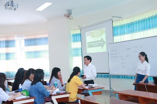 Trường ĐH Ngân hàng TP. HCM nâng điểm sàn nhận hồ sơ xét tuyển - ảnh 1