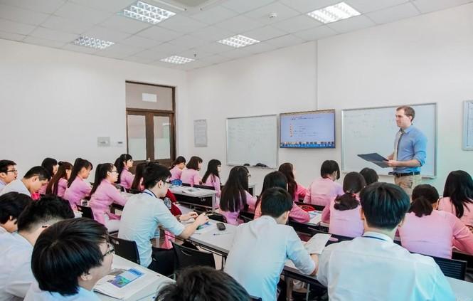 Tuyển sinh 2021: Nhiều trường đại học tuyển thí sinh có năng lực ngoại ngữ - ảnh 1