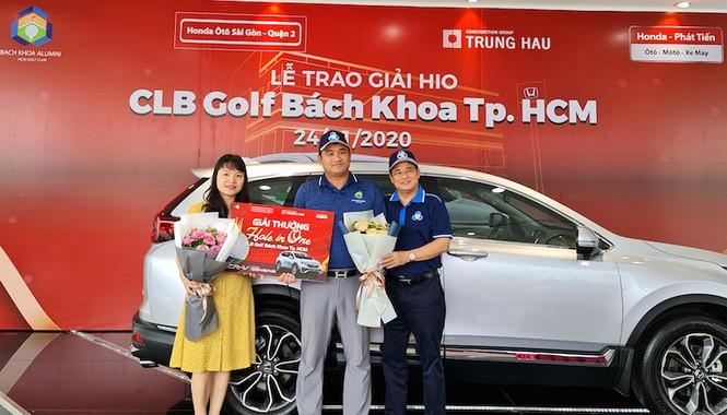 Giải golf CLB Bách khoa TP. HCM trao thưởng cho thành tích Hole in One - ảnh 1