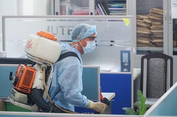 Trường ĐH Công nghệ TP. HCM phải phun khử trùng vì BN1342 đi học - ảnh 7