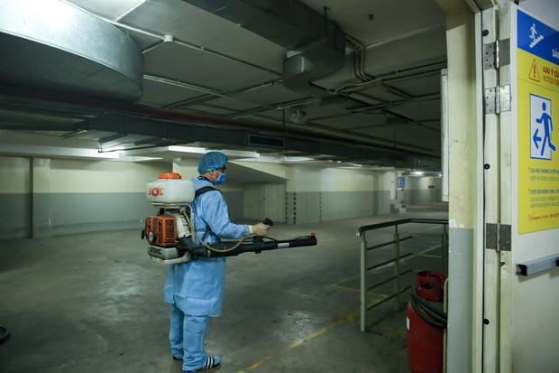 Trường ĐH Công nghệ TP. HCM phải phun khử trùng vì BN1342 đi học - ảnh 8