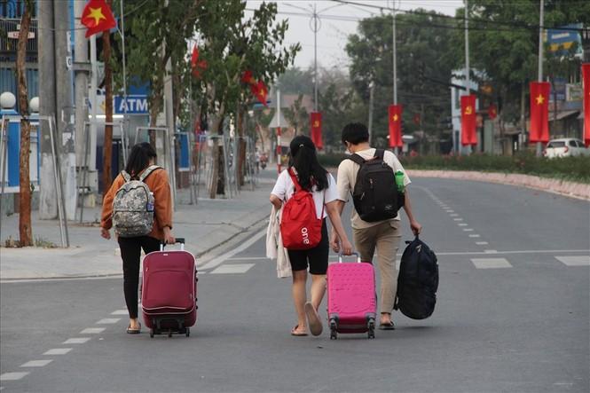 Hàng trăm sinh viên trường ĐH Thủ Dầu Một phải đi cách ly - ảnh 1