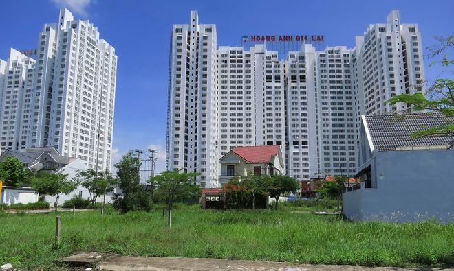 TPHCM: Bỏ tiền tỷ mua nhà, cư dân vẫn không được vào ở