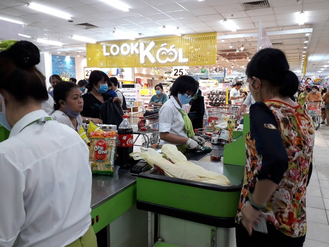 Ngập tràn cảm xúc người dân TP.HCM nói lời chia tay siêu thị Big C miền Đông  - ảnh 3
