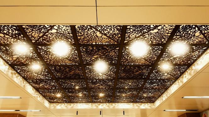 Ngắm kiến trúc sang chảnh, lung linh của Ga ngầm Nhà hát Thành phố thuộc tuyến Metro số 1 - ảnh 4