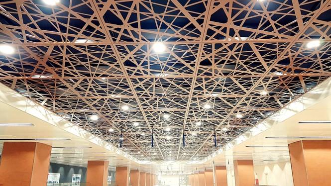 Ngắm kiến trúc sang chảnh, lung linh của Ga ngầm Nhà hát Thành phố thuộc tuyến Metro số 1 - ảnh 1