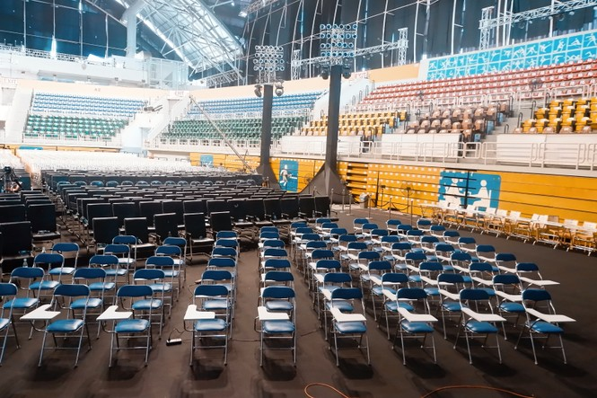 """Toàn cảnh sân khấu hoành tráng của đêm Chung kết Hoa Hậu Việt Nam 2020 trước """"giờ G"""" - ảnh 10"""