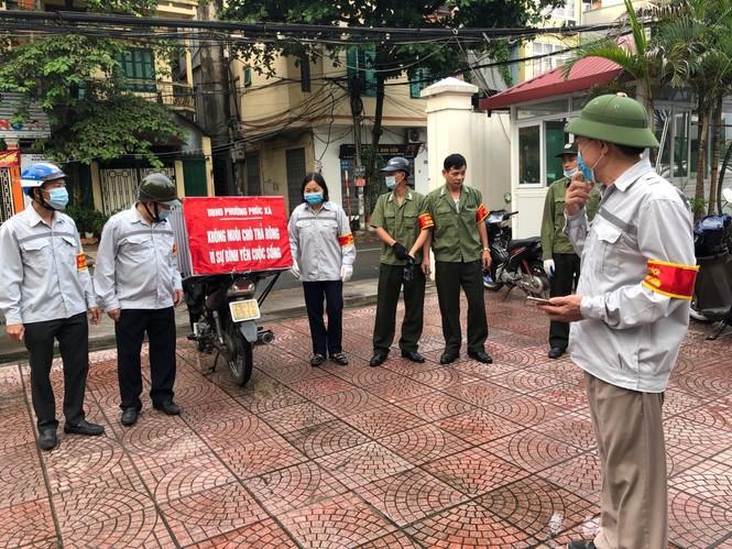 Hà Nội: Quận Ba Đình lập đội bắt chó thả rông - ảnh 1