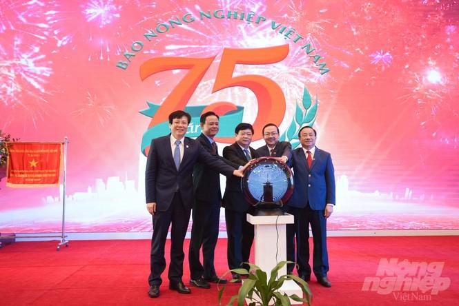 Kỷ niệm 75 năm thành lập và ra mắt hệ sinh thái Báo Nông nghiệp Việt Nam - ảnh 1