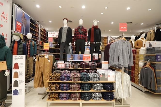 Xếp hàng dài hơn 3 tiếng để mua quần áo Nhật ngày đầu ra mắt tại TPHCM - ảnh 11