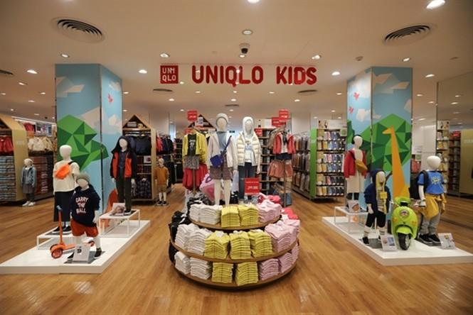 Xếp hàng dài hơn 3 tiếng để mua quần áo Nhật ngày đầu ra mắt tại TPHCM - ảnh 12