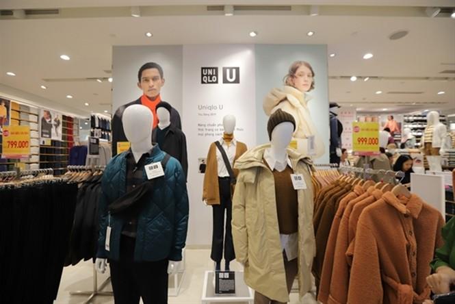 Xếp hàng dài hơn 3 tiếng để mua quần áo Nhật ngày đầu ra mắt tại TPHCM - ảnh 13