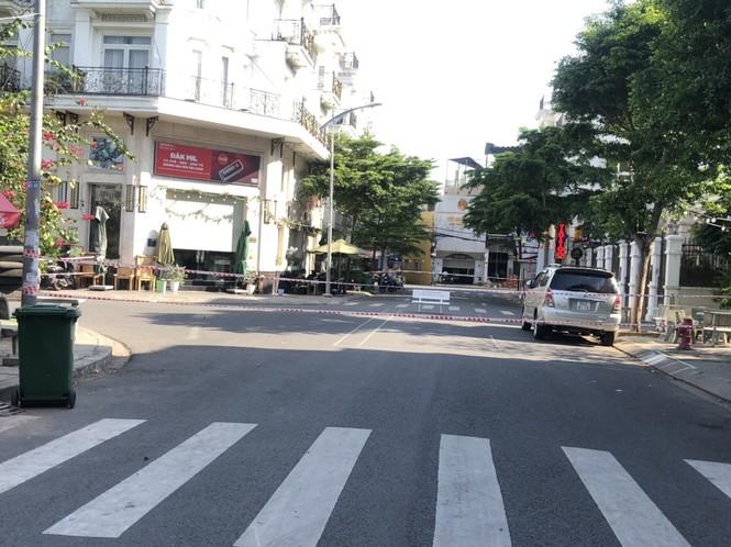 TPHCM: Phong toả một khu dân cư vì có ca nghi mắc COVID-19 - ảnh 1