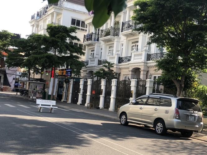 TPHCM: Phong toả một khu dân cư vì có ca nghi mắc COVID-19 - ảnh 5