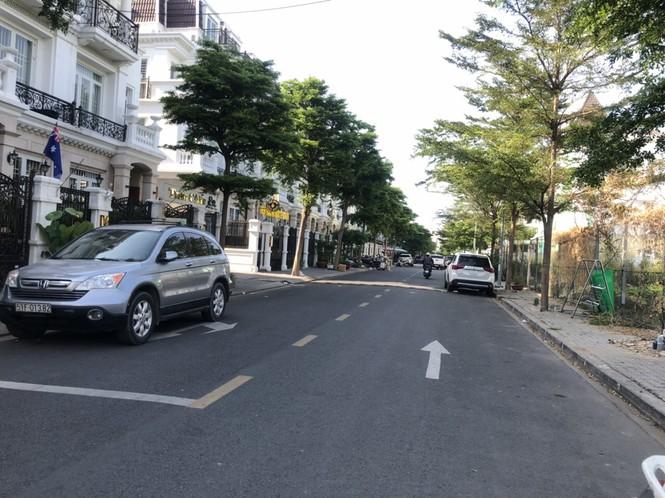 TPHCM: Phong toả một khu dân cư vì có ca nghi mắc COVID-19 - ảnh 6