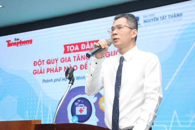 """Báo Tiền Phong tổ chức tọa đàm """"Đột quỵ gia tăng ở người trẻ - giải pháp nào để phòng ngừa - ảnh 9"""