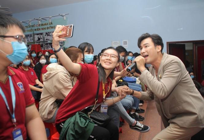 """Báo Tiền Phong tổ chức tọa đàm """"Đột quỵ gia tăng ở người trẻ - giải pháp nào để phòng ngừa - ảnh 8"""