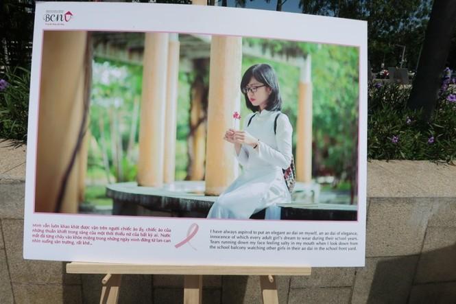 Xúc động cảnh bé gái hiến tóc tặng bệnh nhân ung thư vú - ảnh 4