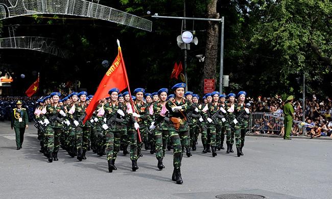 Rạng rỡ nữ chiến sỹ Quân y trong lễ diễu binh - ảnh 1