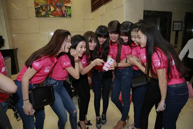 50 nữ sinh duyên dáng hội ngộ tại ngôi nhà chung - ảnh 13