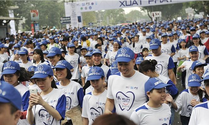 5.000 người chạy bộ vì sức khỏe răng miệng - ảnh 7
