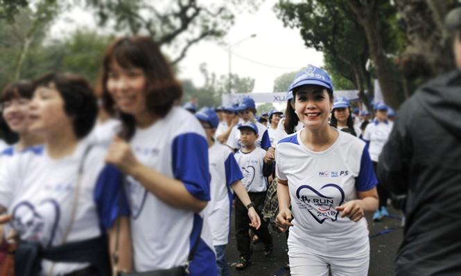 5.000 người chạy bộ vì sức khỏe răng miệng - ảnh 10