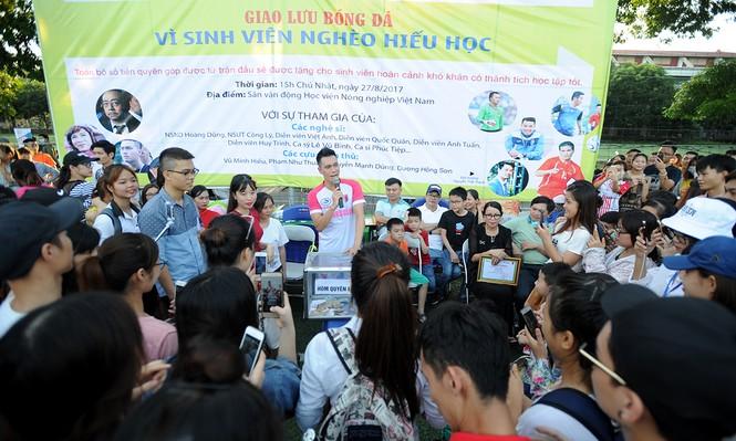 'Cậu ấm Phan Hải' gom tiền gây quỹ ủng hộ sinh viên nghèo - ảnh 1