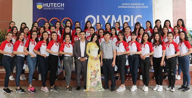 Thí sinh Hoa khôi Sinh viên Việt Nam 2017 giao lưu khởi nghiệp với doanh nhân trẻ - ảnh 1
