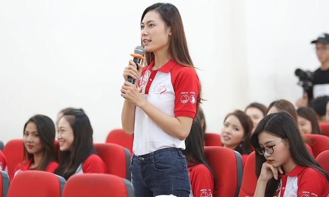 Thí sinh Hoa khôi Sinh viên Việt Nam 2017 giao lưu khởi nghiệp với doanh nhân trẻ - ảnh 3