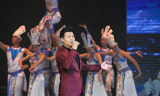 Xúc động đêm nghệ thuật 'Biển, đảo - Trái tim Việt Nam' - ảnh 1