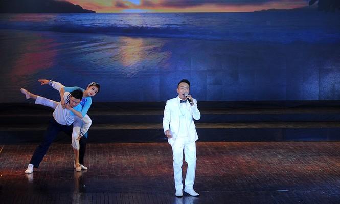 Xúc động đêm nghệ thuật 'Biển, đảo - Trái tim Việt Nam' - ảnh 11