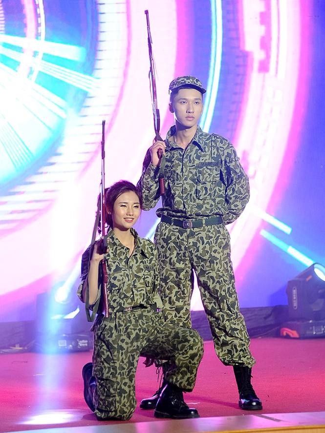 Cặp đôi đẹp nhất giành giải Hoa khôi - Nam vương Giao thông vận tải - ảnh 4