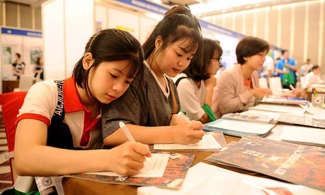 Hàng nghìn bạn trẻ 'săn' học bổng, chương trình du học Nhật Bản - ảnh 8