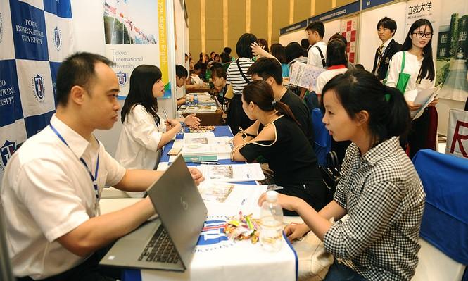 Hàng nghìn bạn trẻ 'săn' học bổng, chương trình du học Nhật Bản - ảnh 6