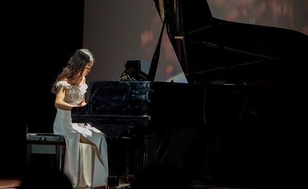 Học sinh trường Amsterdam diễn âm nhạc gây quỹ vì trẻ em khó khăn - ảnh 1