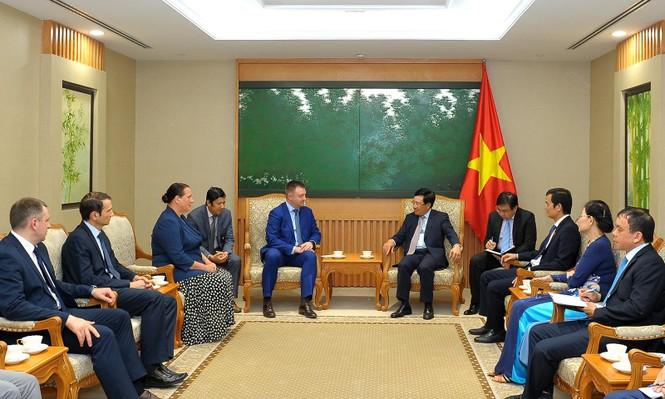 Phó Thủ tướng Phạm Bình Minh tiếp đoàn đại biểu cấp cao thanh niên Nga - ảnh 1