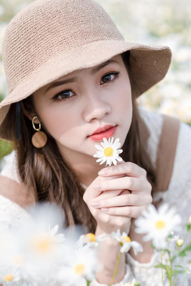 Giới trẻ Hà thành khoe sắc bên vườn hoa cúc họa mi - ảnh 6