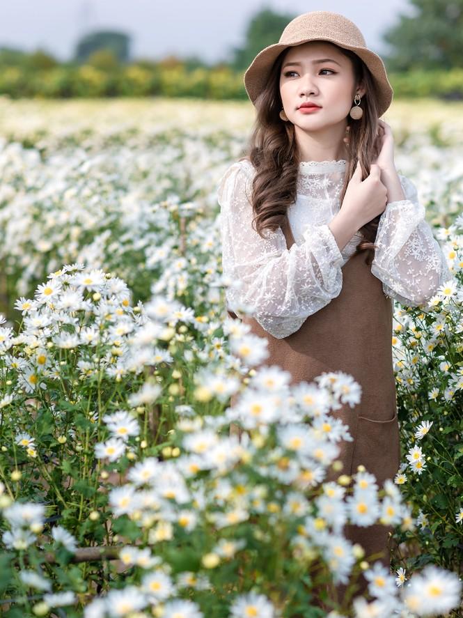 Giới trẻ Hà thành khoe sắc bên vườn hoa cúc họa mi - ảnh 9
