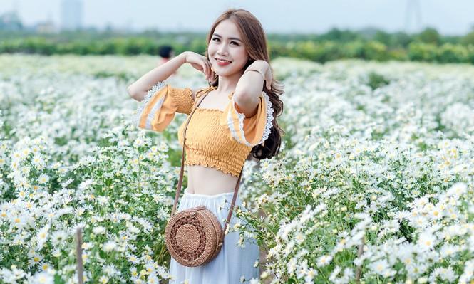 Giới trẻ Hà thành khoe sắc bên vườn hoa cúc họa mi - ảnh 5