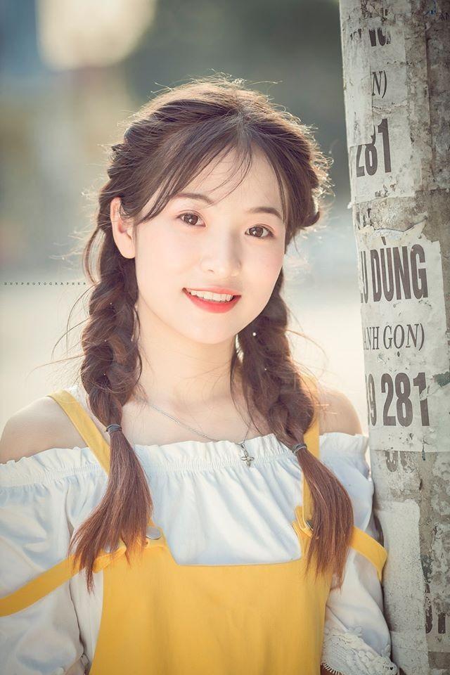 Vẻ đẹp 'thanh xuân vườn trường' trong trẻo của cô bạn Thái Nguyên - ảnh 1