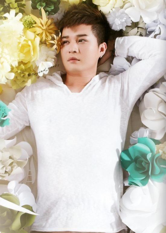 ShinDong (SJ) khoe body