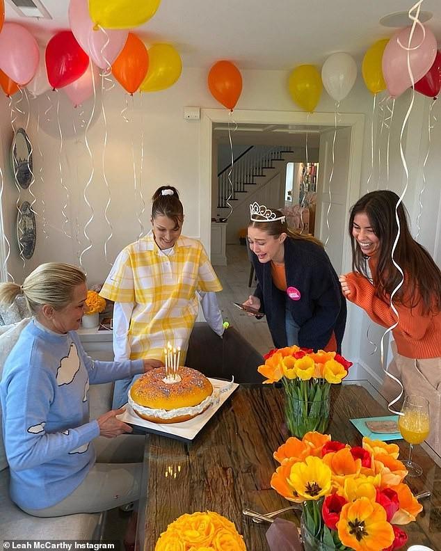 Đột nhập tiệc sinh nhật lần 25 của Siêu mẫu Gigi Hadid bên bạn trai -ca sĩ Zayn Malik - ảnh 1