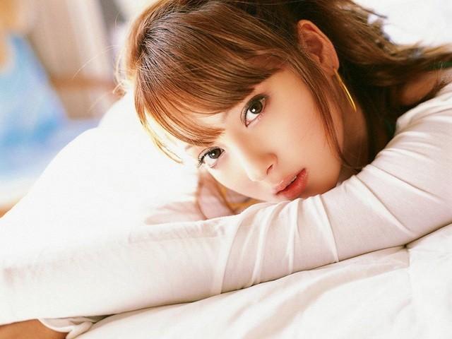 Vẻ ngoài hoàn hảo và gợi cảm của mỹ nhân hàng đầu Nhật Bản bị chồng lừa dối - 5