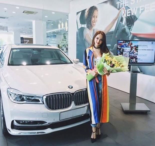 Hương Giang khoe xế hộp sang trọng mới tậu, bổ sung chiếc thứ 4 vào bộ sưu tập xe hơi tiền tỷ - Ảnh 3.