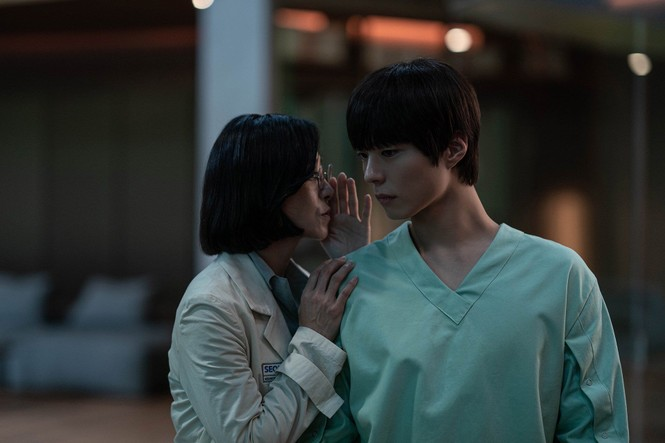 Park Min Young lại dính tin đồn lạm dụng phẫu thuật thẩm mỹ; La Vân Hy chia sẻ