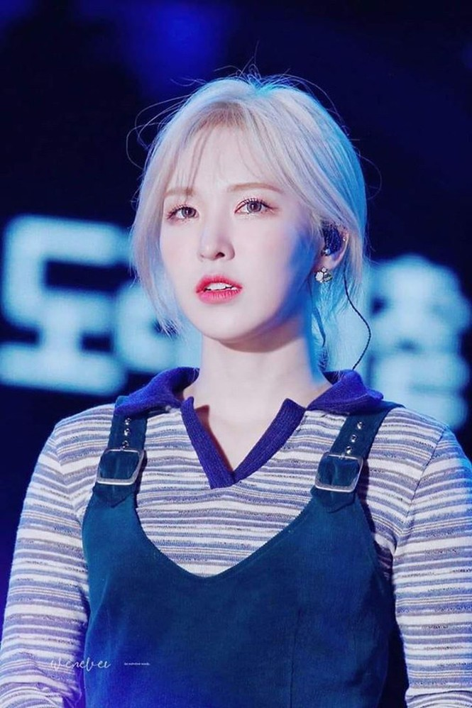 Wendy (Red Velvet) bị